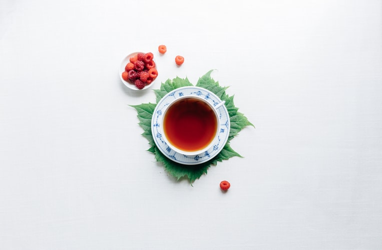 raspberry leaf tea - 10 essential herbal teas